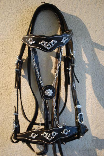 Showzaum RegiLederbreite 2cm, Lederfarben: natur, schwarz, braunSchnallen eckig oder verziert, chrom oder messingfarbenmit Zügel